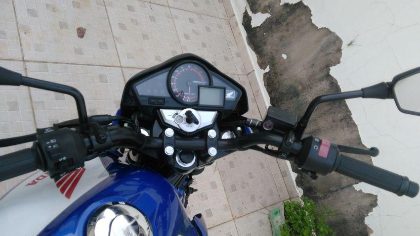 Honda CB 300R (edição especial) - Foto #3