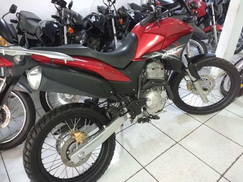 Honda XRE 300 - Foto #2