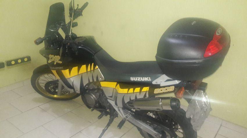 Suzuki DR 800 S - Foto #1
