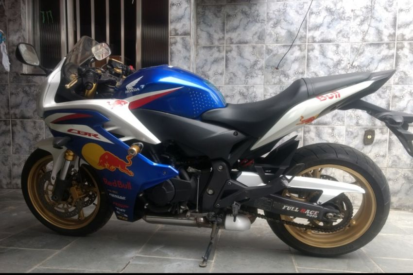 Honda CBR 600F - Foto #4