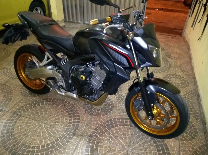 Honda CB 650F - Foto #4