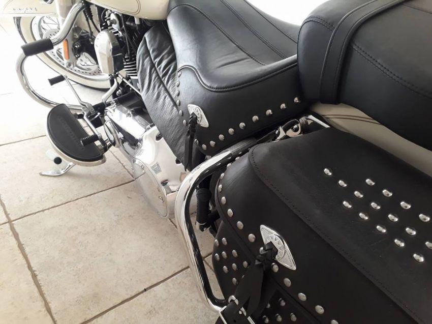 Harley-Davidson Softail Heritage Classic - Foto #4