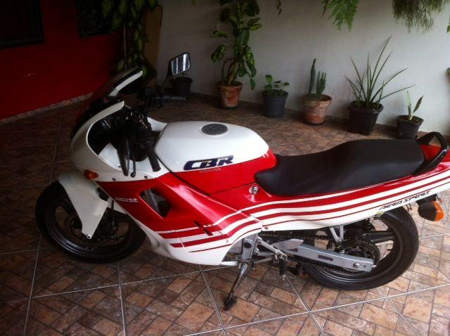 Honda CBR 450 SR - Foto #1