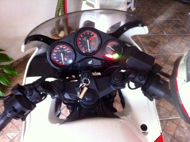 Honda CBR 450 SR - Foto #3