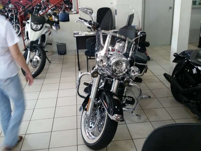 Harley-Davidson Flhr Road King Classic - Foto #4