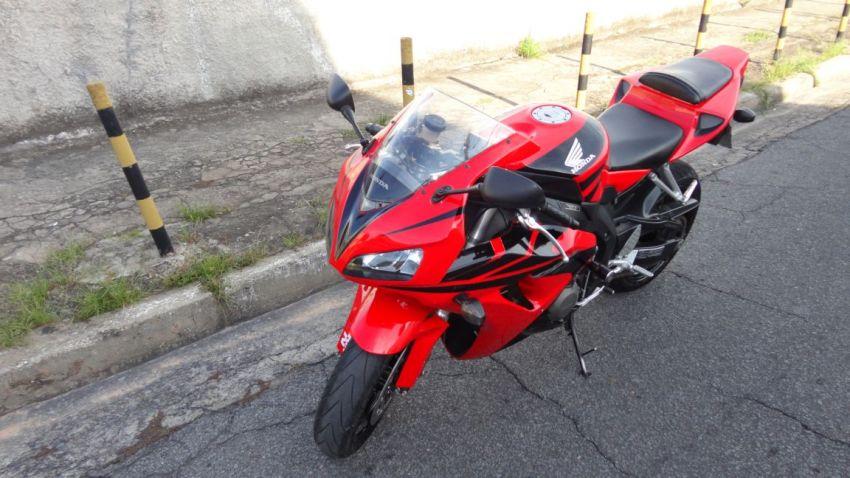 Honda CBR 1000 RR Fireblade (ABS) - Foto #10