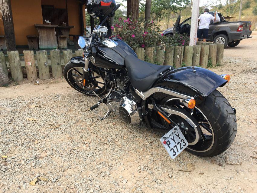 Harley-Davidson Breakout - Foto #1