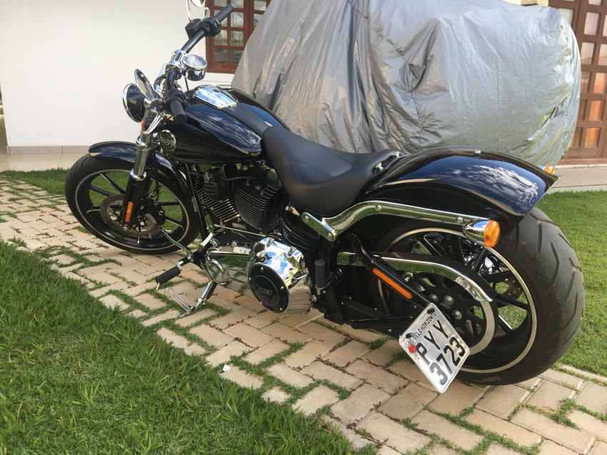 Harley-Davidson Breakout - Foto #7