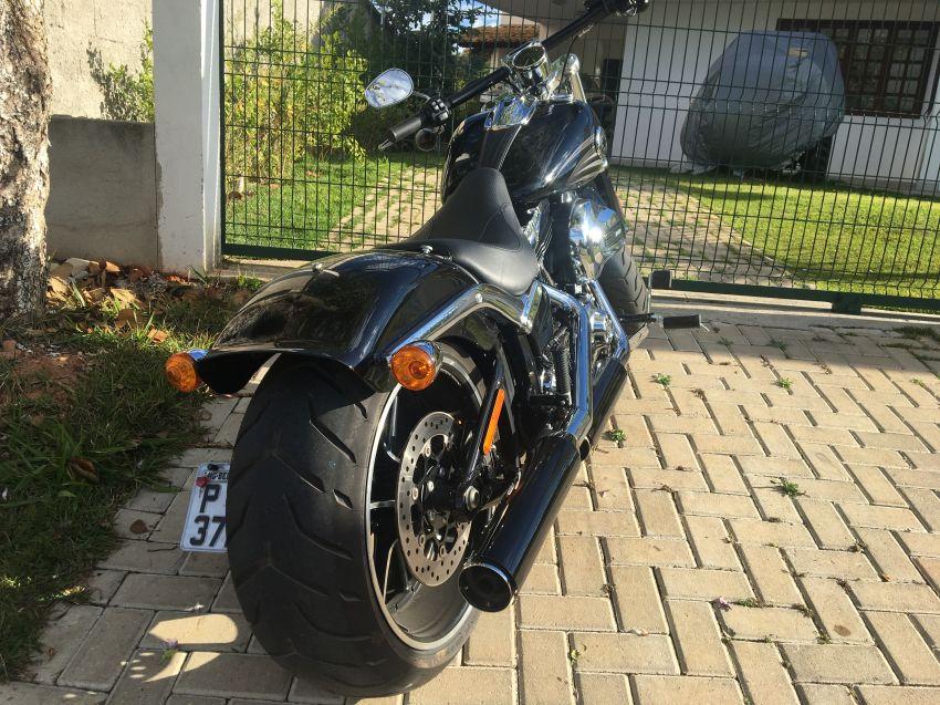 Harley-Davidson Breakout - Foto #9