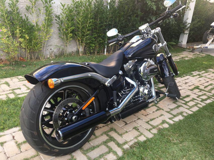 Harley-Davidson Breakout - Foto #10