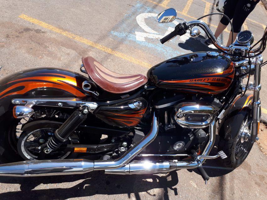 Harley-Davidson Sportster 1200 Custom - Foto #4