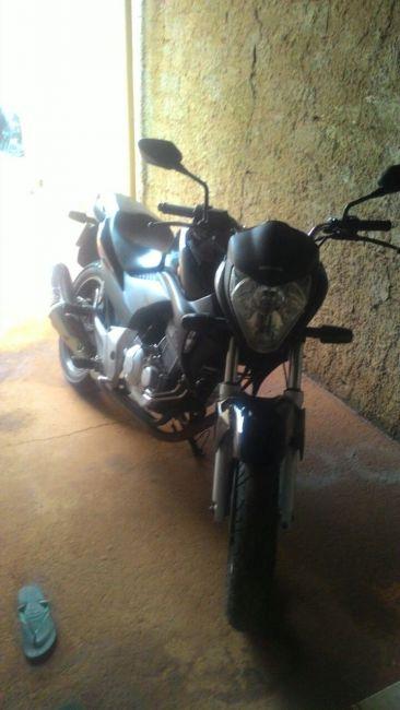 Honda CB 300R (ABS) - Foto #2