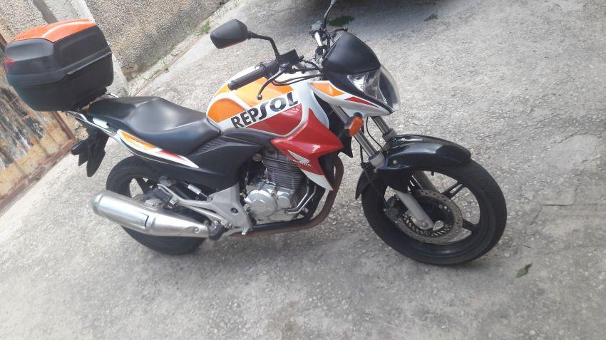 Honda CB 300R (edição especial) - Foto #2