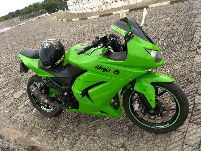 Kawasaki Ninja 250R - Foto #8