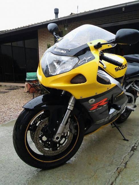Suzuki GSX R 750 - Foto #6