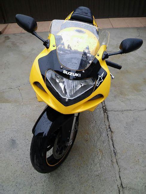 Suzuki GSX R 750 - Foto #7