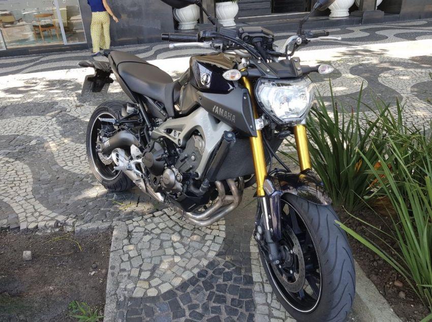 Yamaha MT 09 - Foto #1