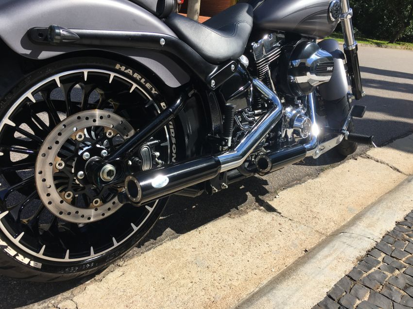 Harley-Davidson Breakout - Foto #3