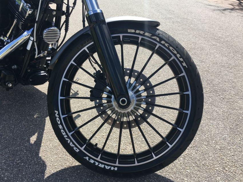 Harley-Davidson Breakout - Foto #8