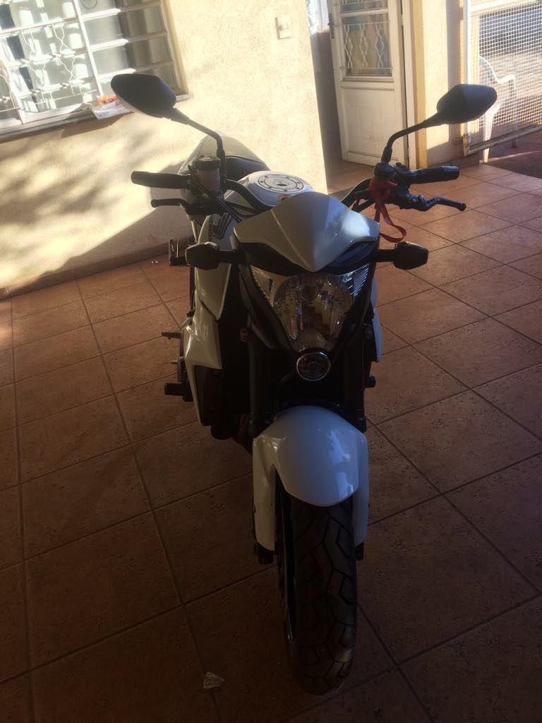 Honda CB 1000R - Foto #2