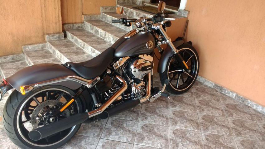 Harley-Davidson Softail Blackline - Foto #1
