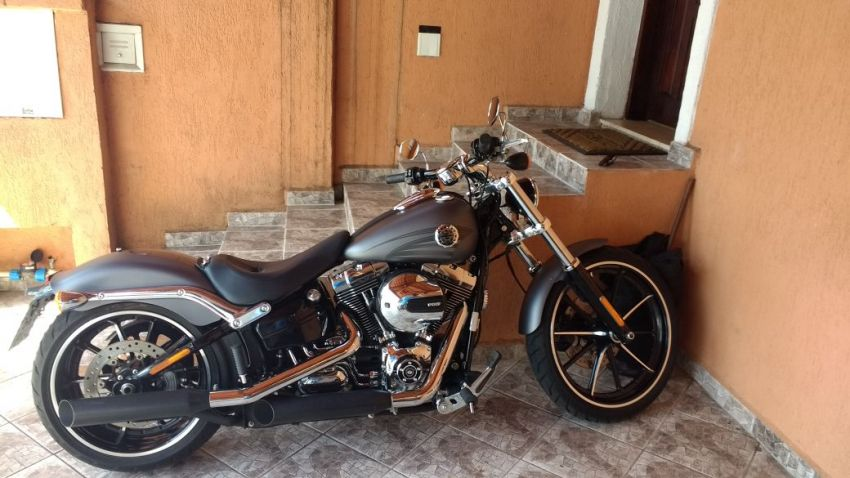 Harley-Davidson Softail Blackline - Foto #3