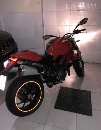 Ducati Monster 796 - Foto #3