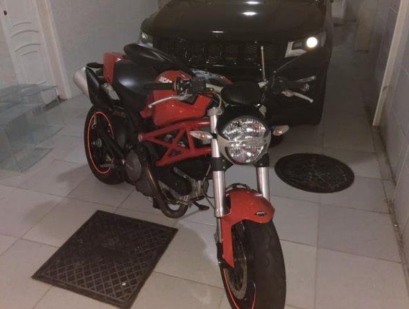 Ducati Monster 796 - Foto #4