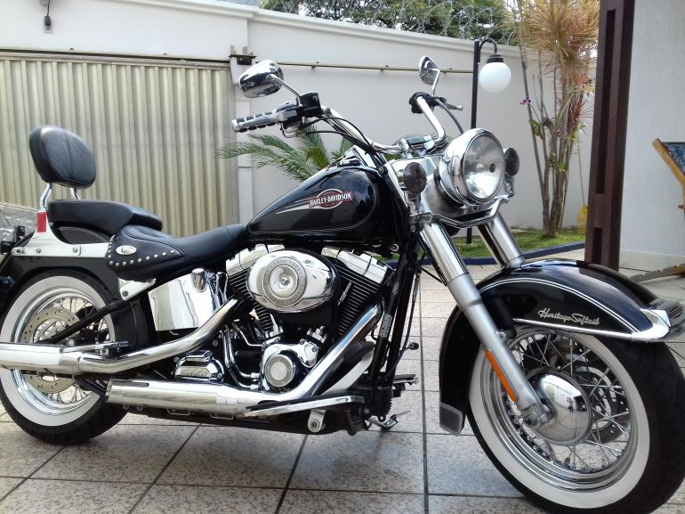 Harley-Davidson Heritage Softail Classic - Foto #1