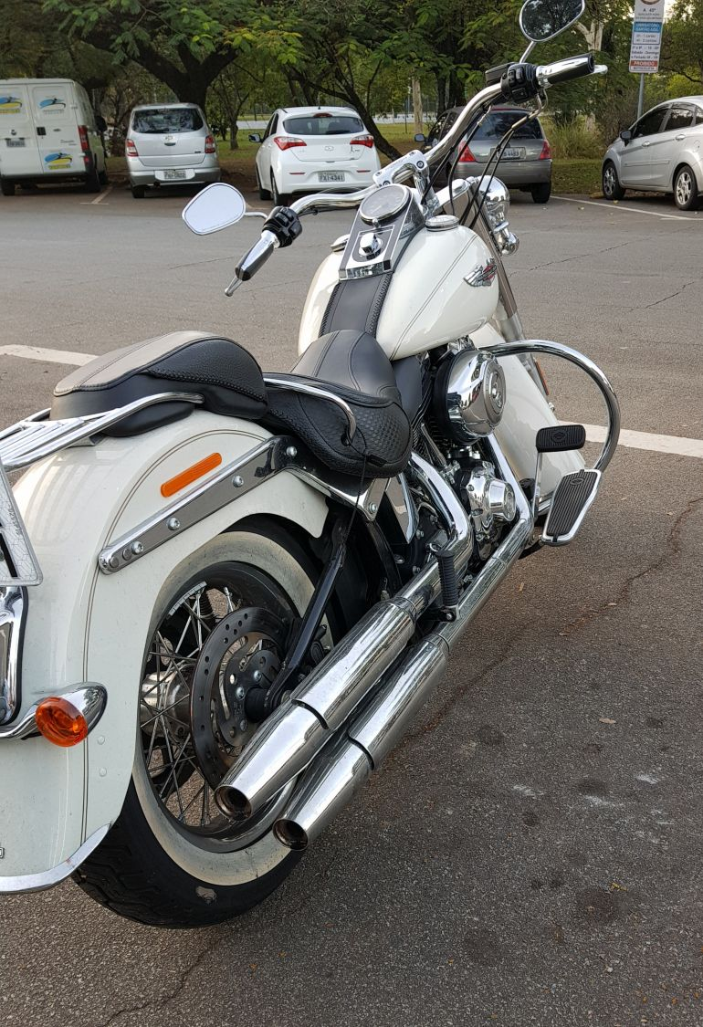 Harley-Davidson Softail De Luxe - Foto #6
