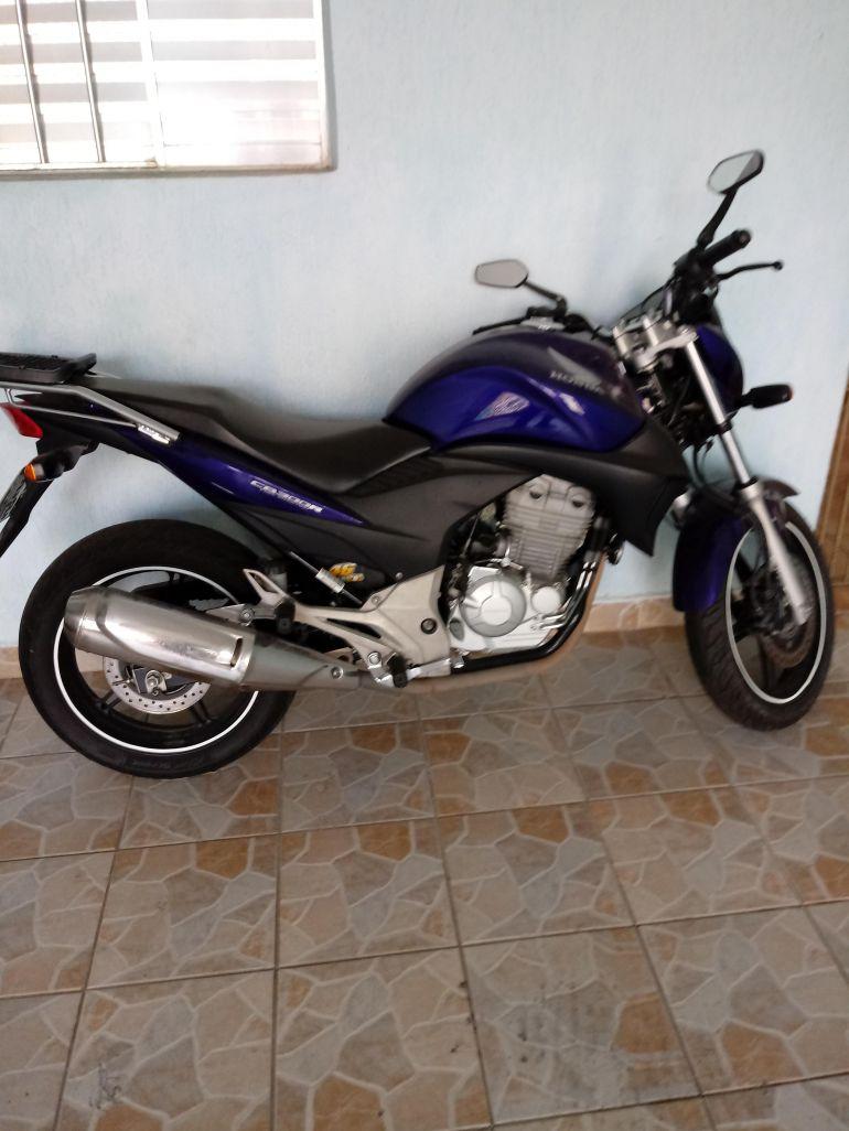 Honda CB 300R (ABS) - Foto #4