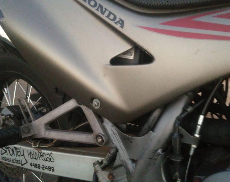 Honda NX 4 Falcon 400 - Foto #3