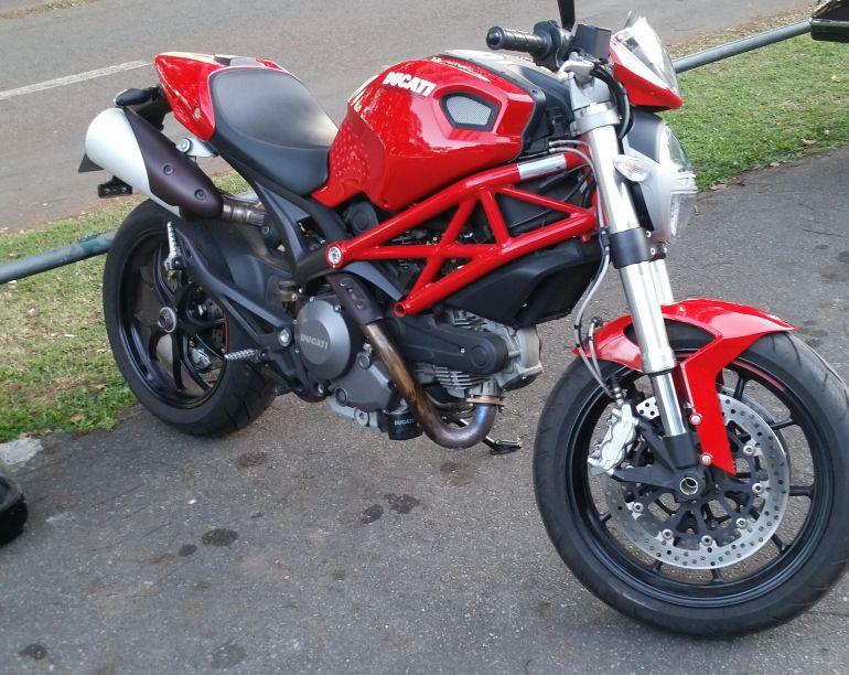 Ducati Monster 796 - Foto #1