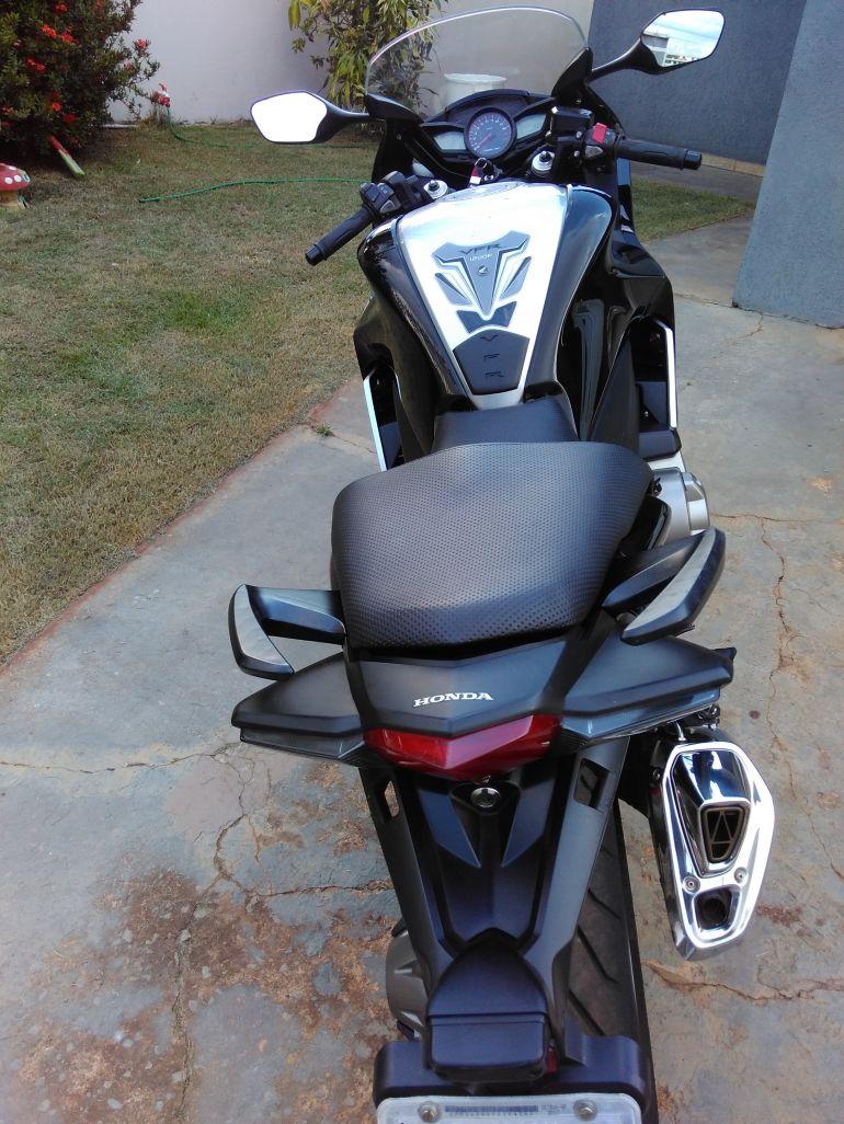 Honda VFR 1200F - Foto #3