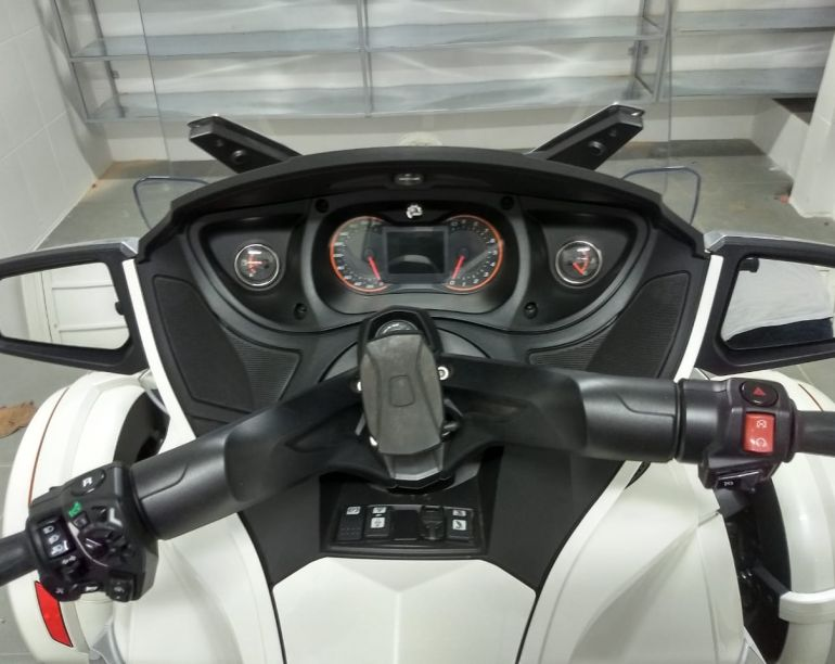 BRP Can Am Spyder 1330 RT Limited (Triciclo) - Foto #4
