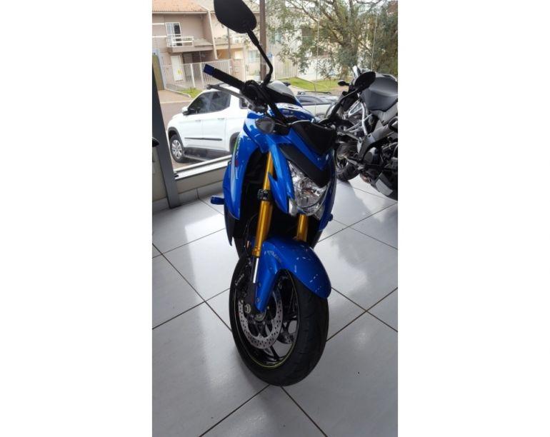 Suzuki Gsx S 1000A - Foto #1