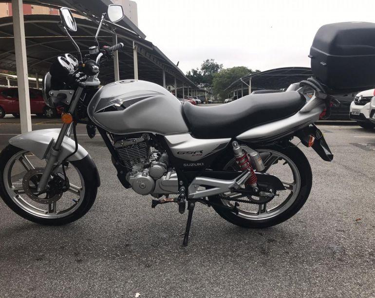 Suzuki Gsr 125 - Foto #1