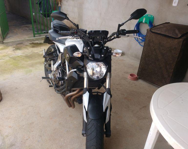 Yamaha MT 07 (STD) - Foto #2