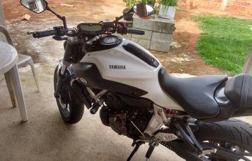 Yamaha MT 07 (STD) - Foto #5