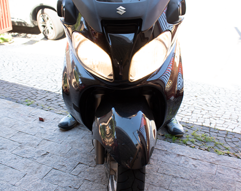 Suzuki Burgman 650 Executive - Foto #1