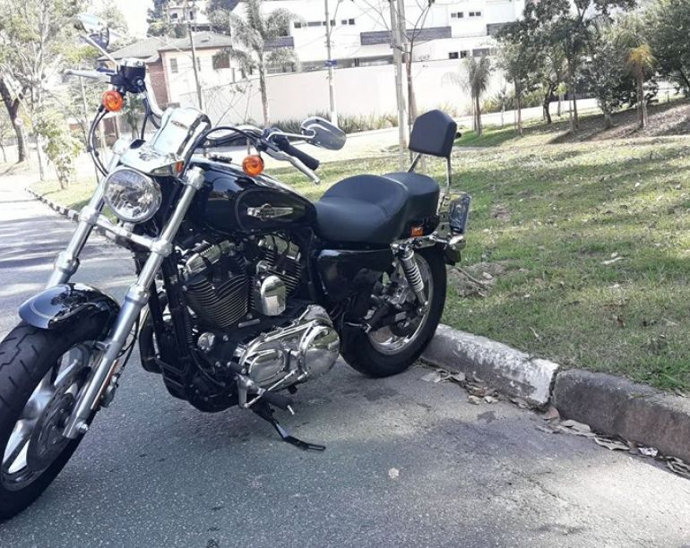 Harley-Davidson Sportster 1200 Custom CB - Foto #2