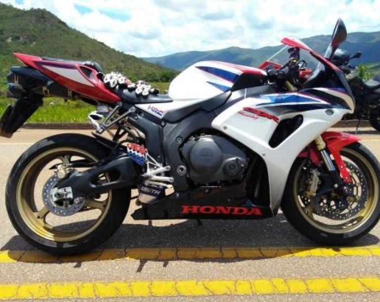 Honda Cbr 1000 RR Fireblade (STD) - Foto #5