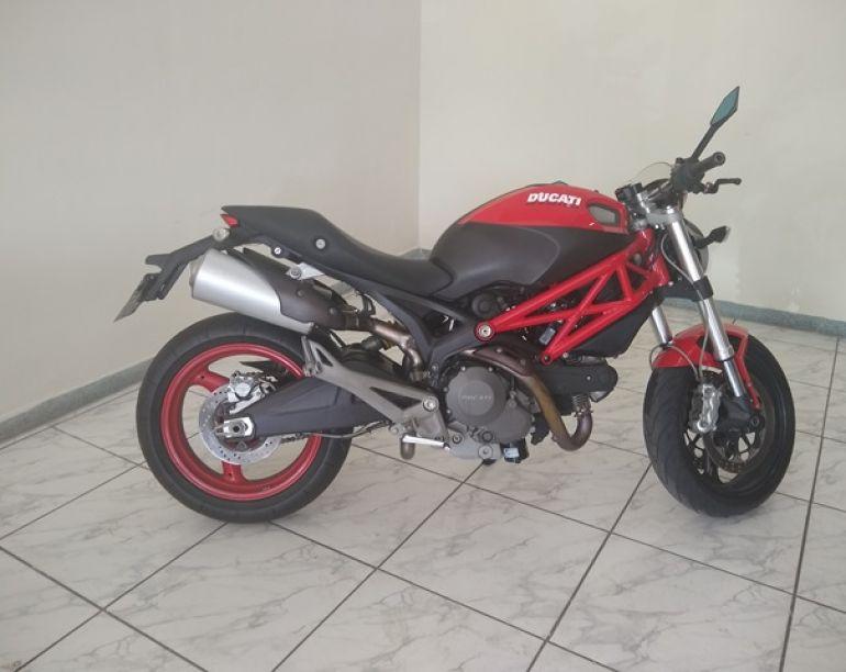 Ducati Monster 696 - Foto #1