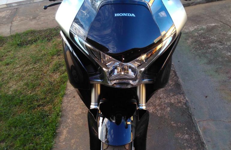 Honda VFR 1200F - Foto #4