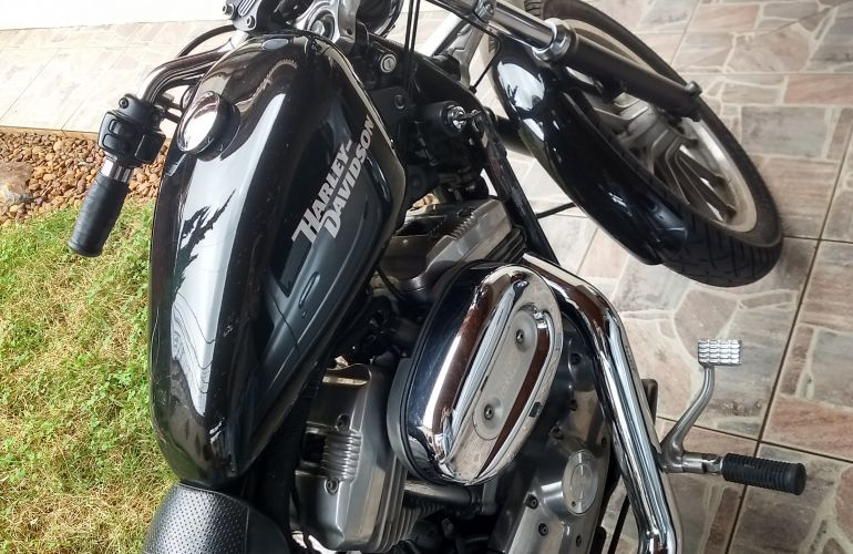 Harley-Davidson Sportster 883 Roadster - Foto #7
