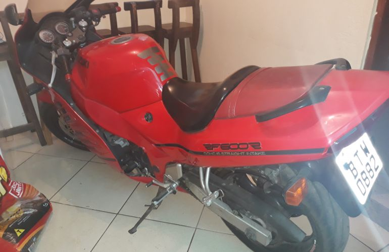 Suzuki RF 600 R - Foto #1