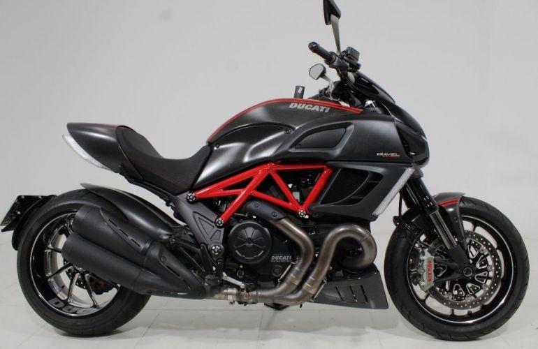 Ducati Diavel Carbon - Foto #1