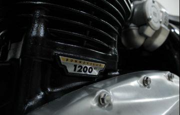 Triumph Bonneville Bobber 1200 - Foto #8