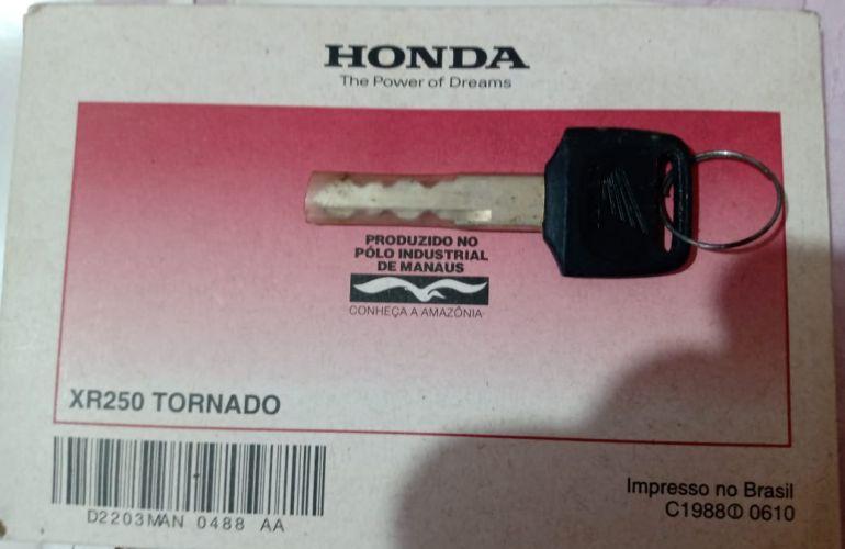 Honda XR 250 Tornado - Foto #6