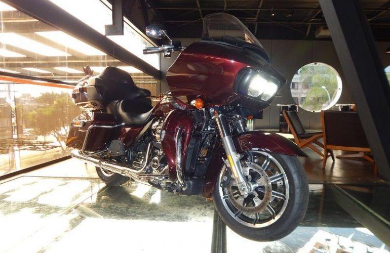 Harley-Davidson Road Glide Ultra - Foto #1